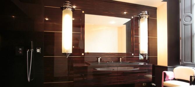 Salle de bain en b ne de macassar mobilier art d co paris agencement xavier g lineau for Salle de bain art nouveau